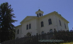 California Living ® host Aprilanne Hurley spotlights Potter Schoolhouse in Bodega, California, made famous by Hitchcock's Birds movie.