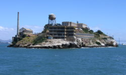 California Living ® invites you to be one of 100 Moms to receive a complimentary Alcatraz Cruise for two.